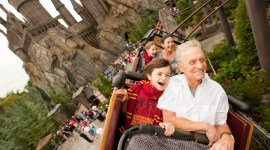 Michael Douglas y Catherine Zeta-Jones, de Visita por el Parque Temático de 'Harry Potter'