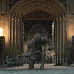 Detalles de la Escena con las Armaduras de Hogwarts en 'Las Reliquias de la Muerte, Parte II'