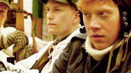 Nueva Imagen de Rupert Grint Caracterizado para su Próxima Película 'Comrade'