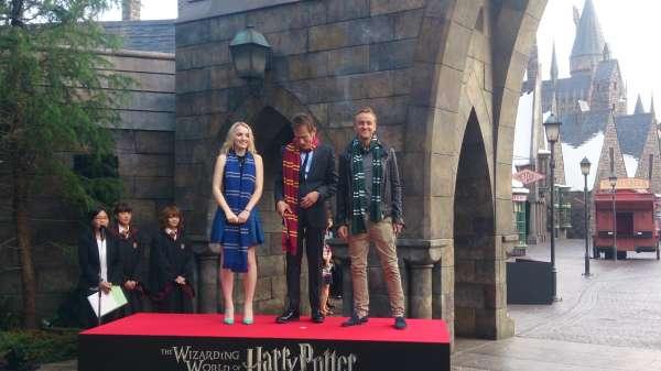 Harry Potter BlogHogwarts Inauguracion Parque Japon Tom Felton Evanna Lynch (3)