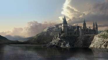 JK Rowling Visita el Lago Negro de Hogwarts en el Parque de Harry Potter de Japón