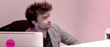 Video: Daniel Radcliffe trabajó de recepcionista y pocos se dieron cuenta