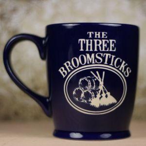 las tres escobas taza