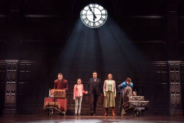 Fotografía del nuevo elenco de 'Harry Potter and the Cursed Child' sobre el escenario
