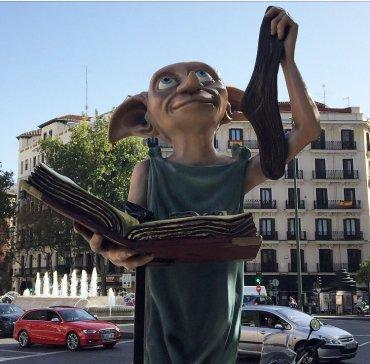 """Fans de Harry Potter en Madrid """"liberan"""" a Dobby"""