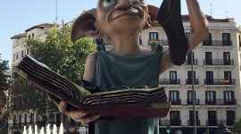 "Fans de Harry Potter en Madrid ""liberan"" a Dobby"