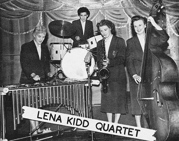 Fotos de bandas de mulheres de algumas décadas atrás