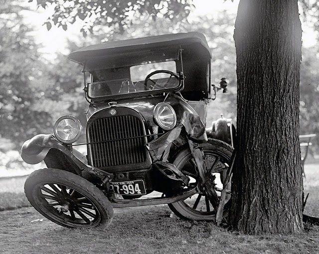 Fotos de acidentes com carros antigos