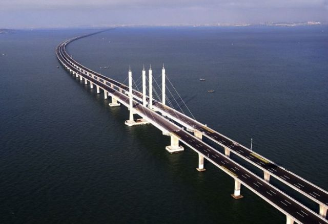 China inaugura a ponte mais longa do mundo