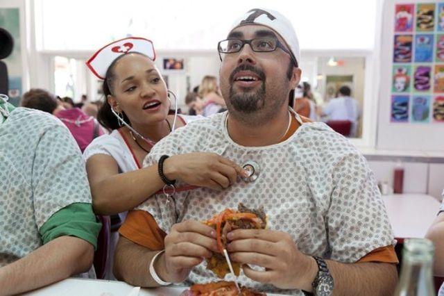 Heart Attack Grill: o restaurante que se orgulha de te deixar mais gordo