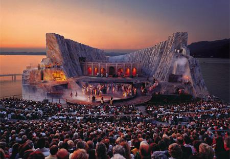 Incríveis Cenários de Ópera: Carmen