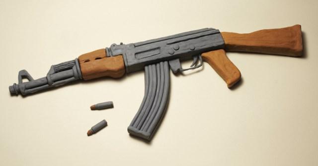 As armas inofensivas criadas pelo artista Kyle Bean