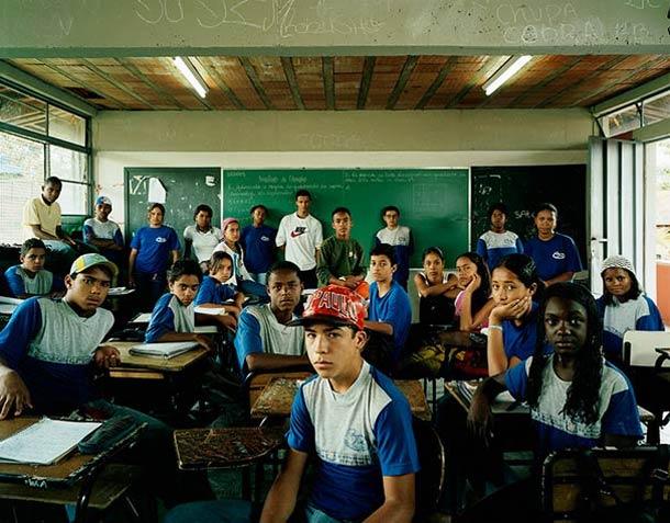 Projeto fotográfico: Retratos de salas de aula