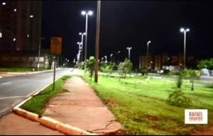 Já na Primeira Avenida Sul as lâmpadas começaram agora a ser implantadas