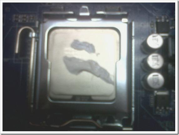 16 Pasta térmica en el procesador