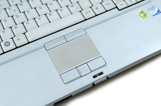 Fujitsu LifeBook E8420 - tastatura si touchpad