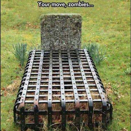 Zombie-Proof Grave: Your Move, Zombies!