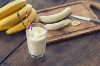 4 Lanches rápidos e práticos - Blog Izabela Silva - Smoothie de banana