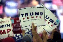 donald_trump_signs_30087742156