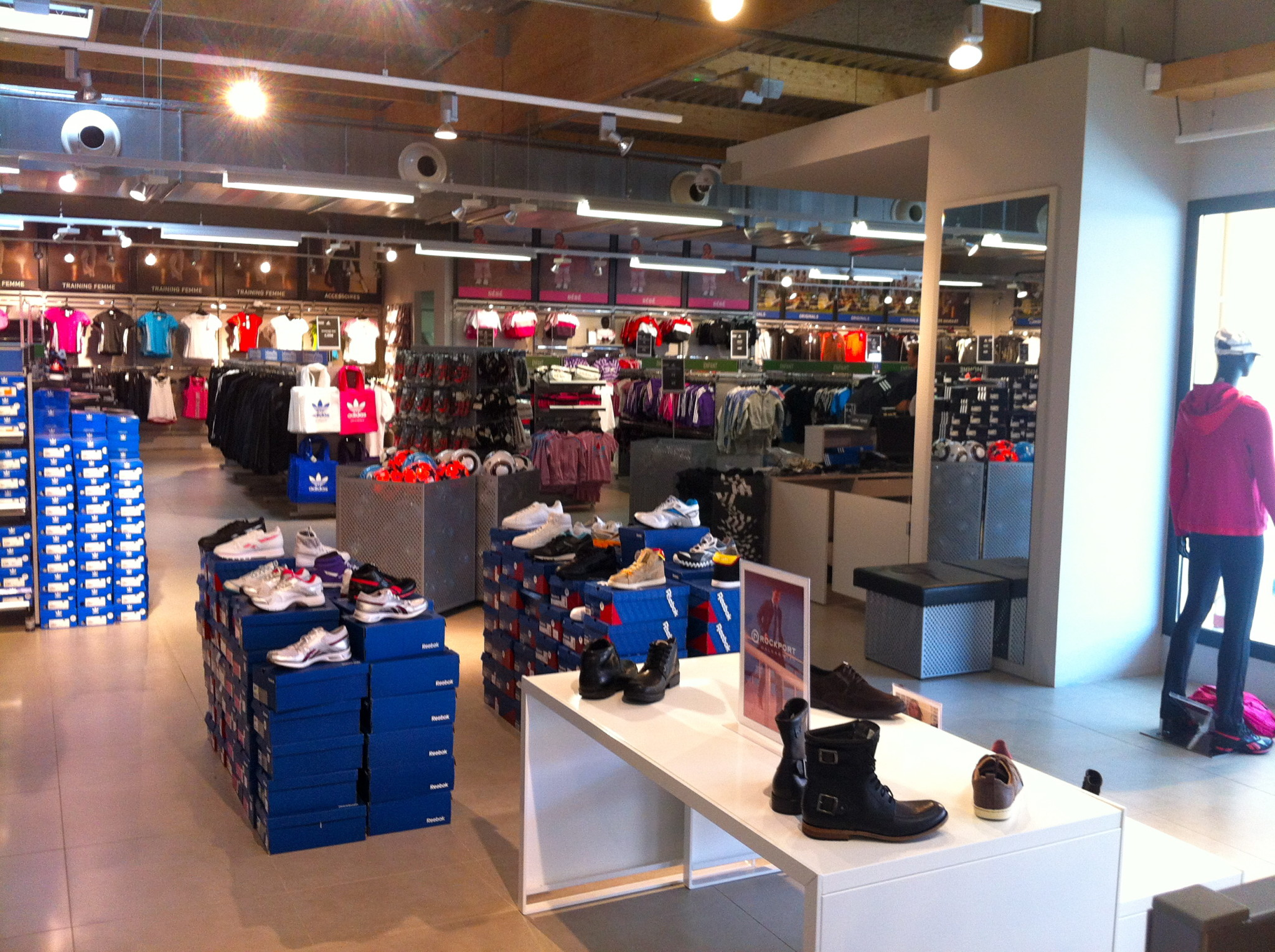 boutique nike usine center