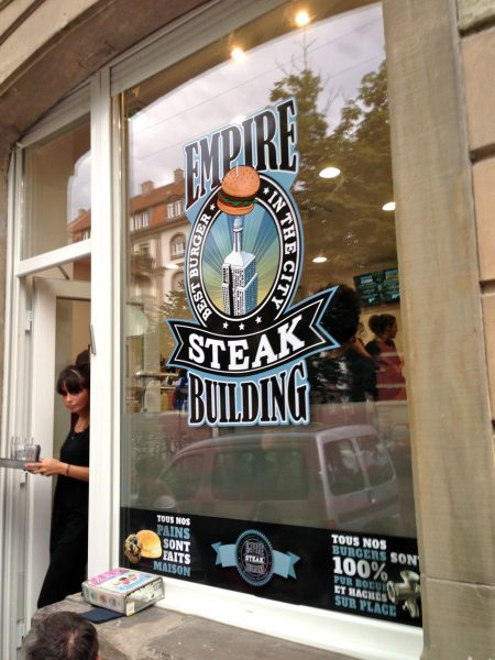 Empire Steak Building vitrine