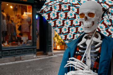 Paquerette le Squelette, blogueuse mode et maîtresse des ténèbres à Strasbourg