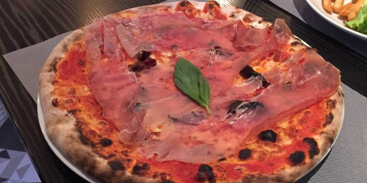 italien du coin pizza proscuitto
