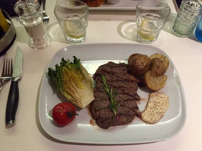 Steakhouse District restaurant Strasbourg viande cuisson braise
