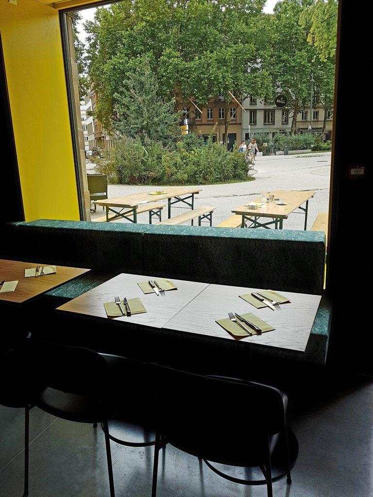 SUPERTONIC Strasbourg bar restaurant saucisse gin place d'Austerlitz