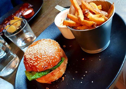 street butcher strasbourg carte restaurant menu du jour burger de bœuf au munster