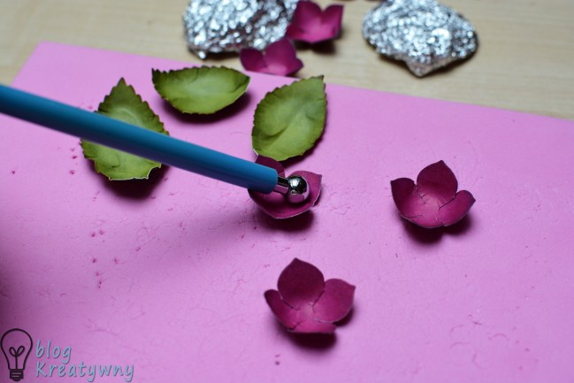 papierowe hortensje z wykrojnika