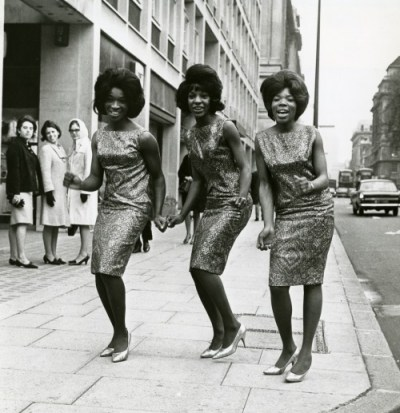 Martha Reeves & The Vandellas – Dancing in the Street (1964)