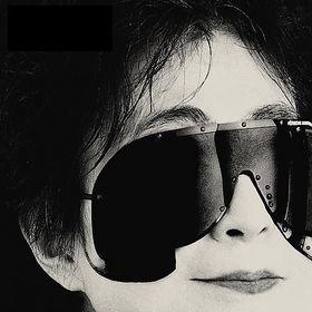 Yoko Ono - Yes, I'm a Witch (2007)