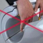 Hagyd abba a kézszárítók használatát a nyilvános WC-ben !!!