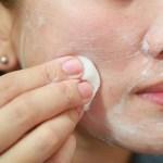 Ez a hozzávaló növeli a arcbőr rugalmasságát és feszességét, ezenkívül frissíti és táplálja is azt