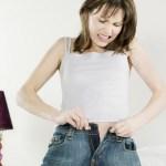 Észrevétlenül kihíztad a nadrágodat? Itt a tavaszi étrend, ami lerobbantja a hasi és a derékon lévő hájréteget