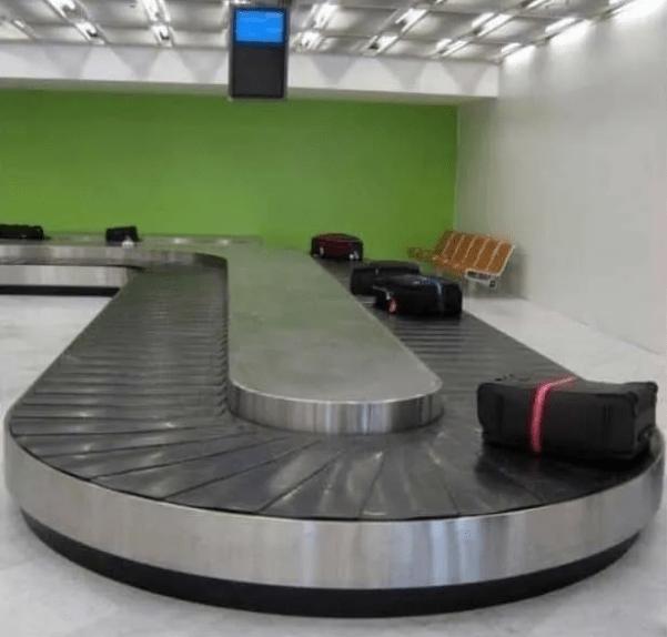 02-Baggage-Conveyor.png