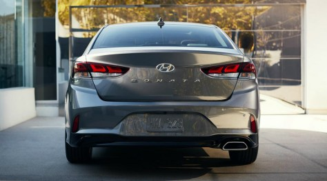Rear view of the 2018 Hyundai Sonata