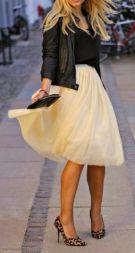 jaqueta de couro com saia midi
