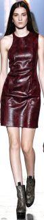 vestido de couro de cobra