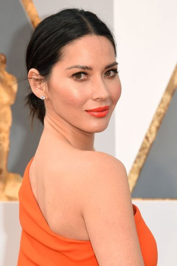Olivia Munn - Make combinadinha