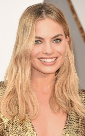 Margot Robbie - Make natural