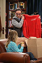 Penny, Sheldon and the Itchy Sweater