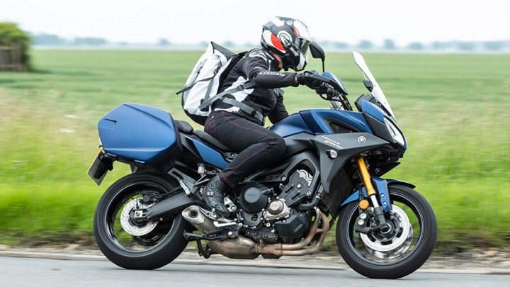 La Yamaha Tracer 900GT souffre du vent !