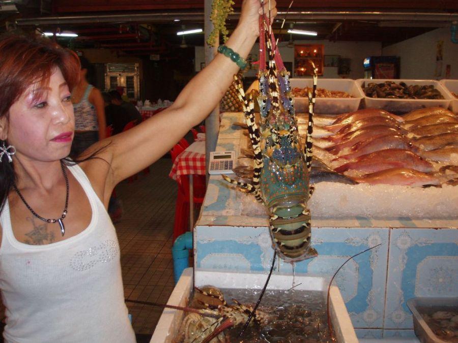 Пхукет. Ужин из свежайших морепродуктов.