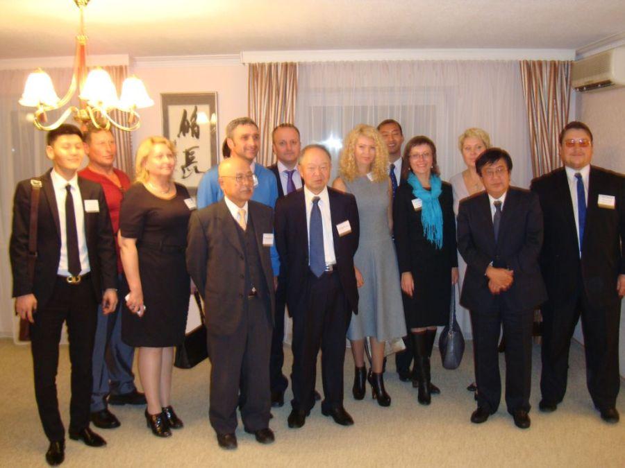 Групповое фото на приеме в Ген.Консульстве Японии