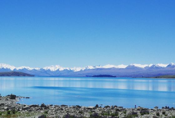 lake-tekapos-stunning-scenery