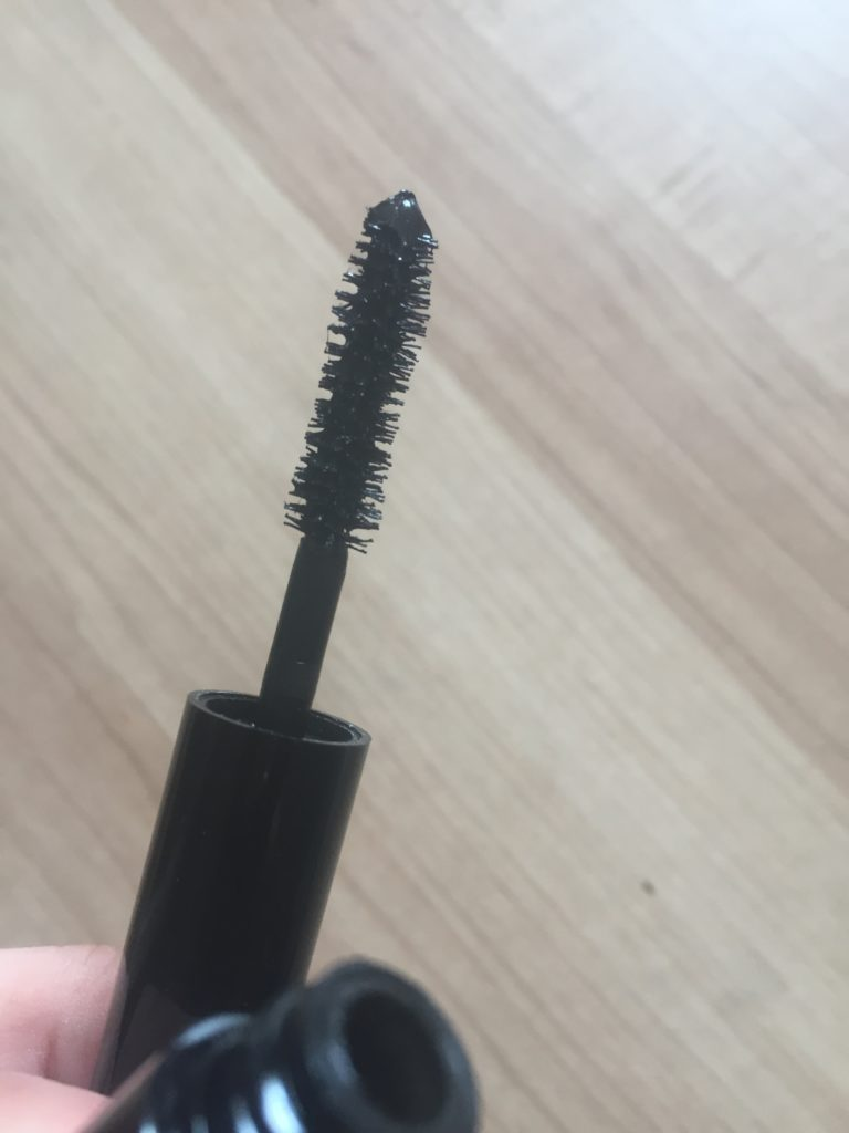 PUR fully charged mascara brush