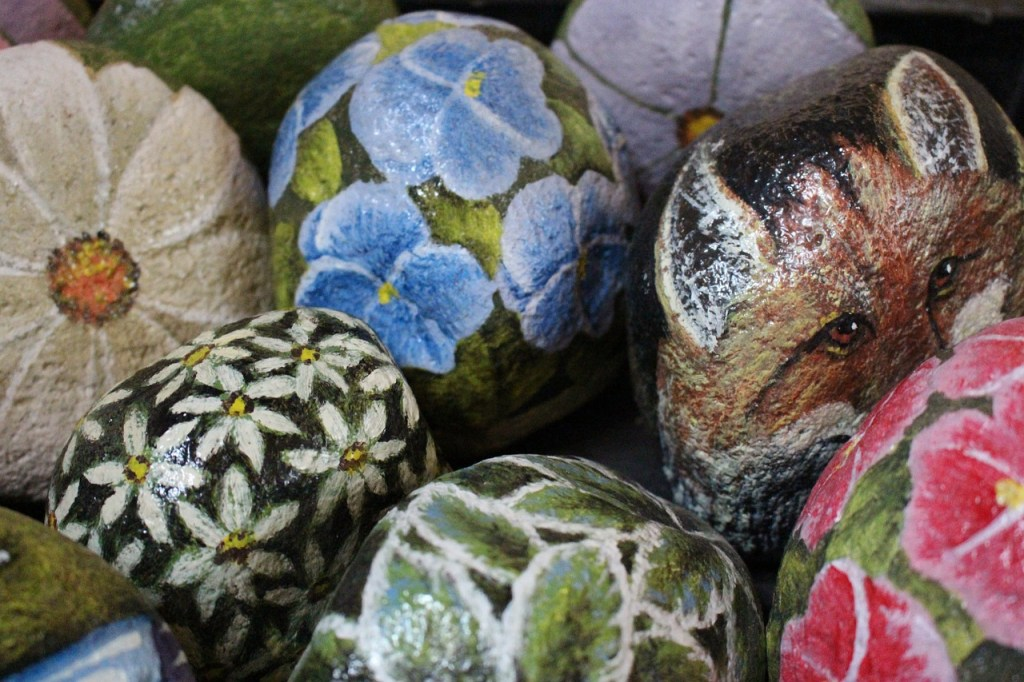 painted decorative rocks