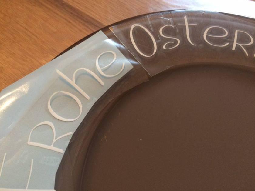 Schrift am Pfad ausrichten, Teller beplotten, Oster Ideen, DIY Ostern